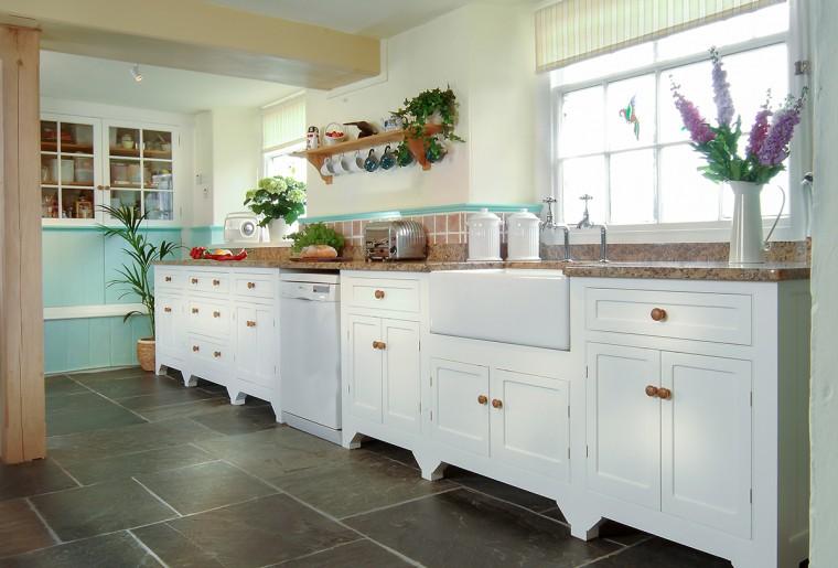 Free standing kitchen, painted kitchen, Truro, cornwall