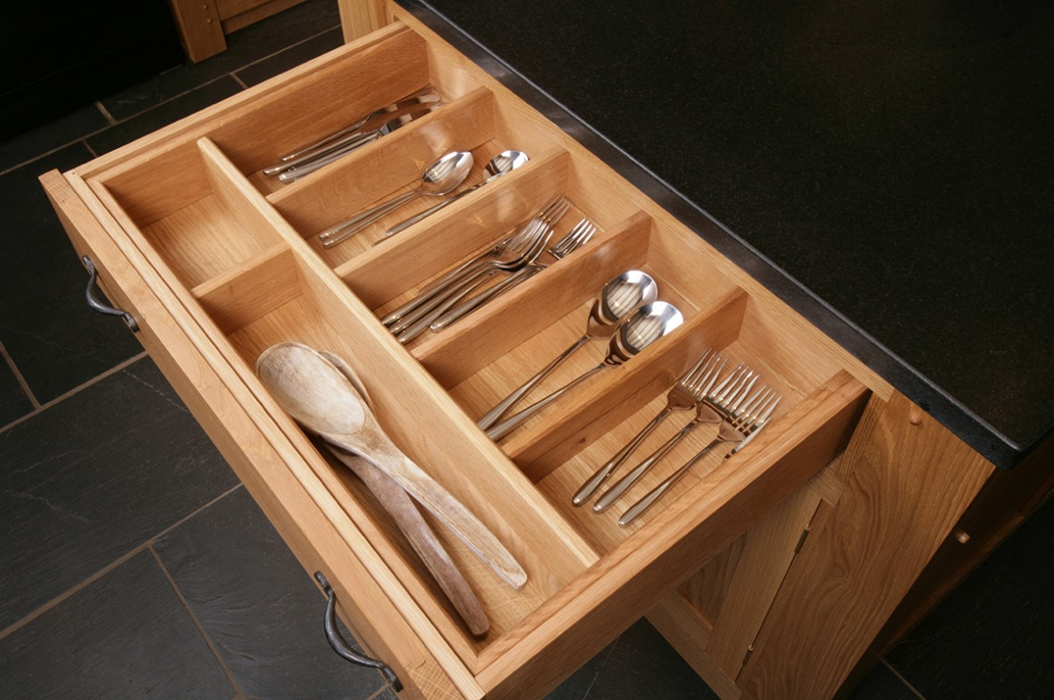 Solid oak kitchen drawers. Hand made in Cornwall. Bespoke Kitchen, Falmouth, Cornwall
