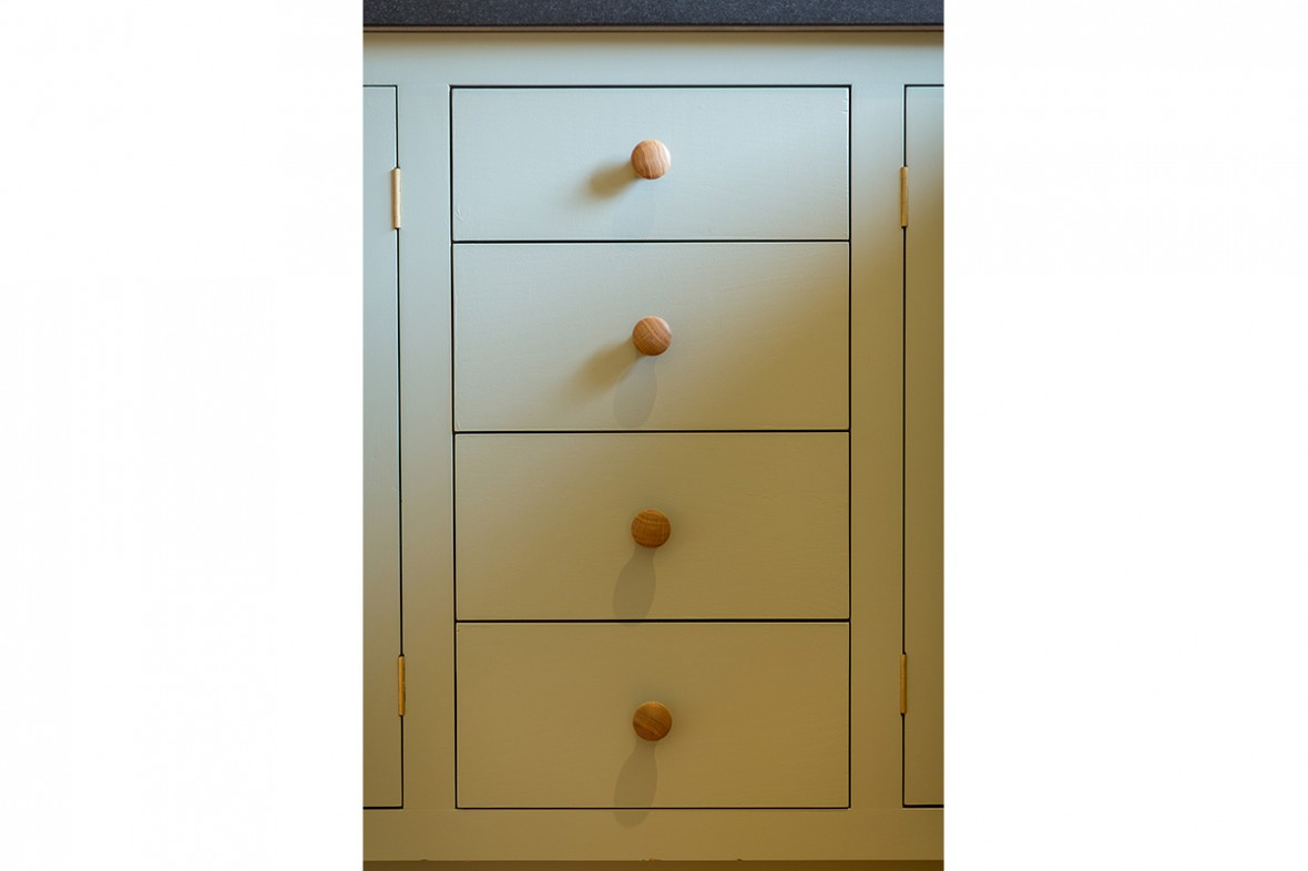 Quality kitchen hand made in Cornwall. Bespoke-kitchens-cornwall