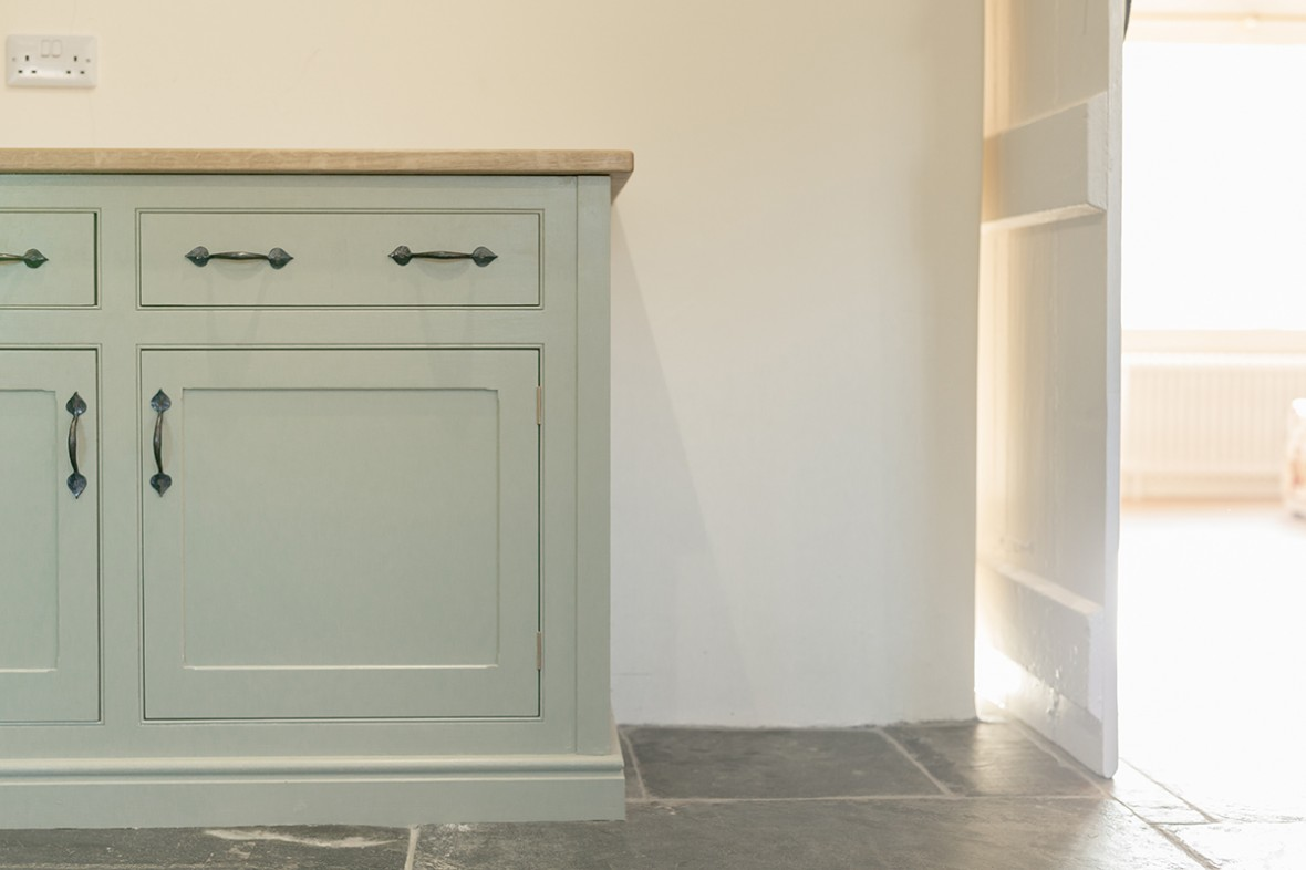 Kitchens-in-Cornwall-Individually-designed-by-Samuel-f-Walsh-Furniture
