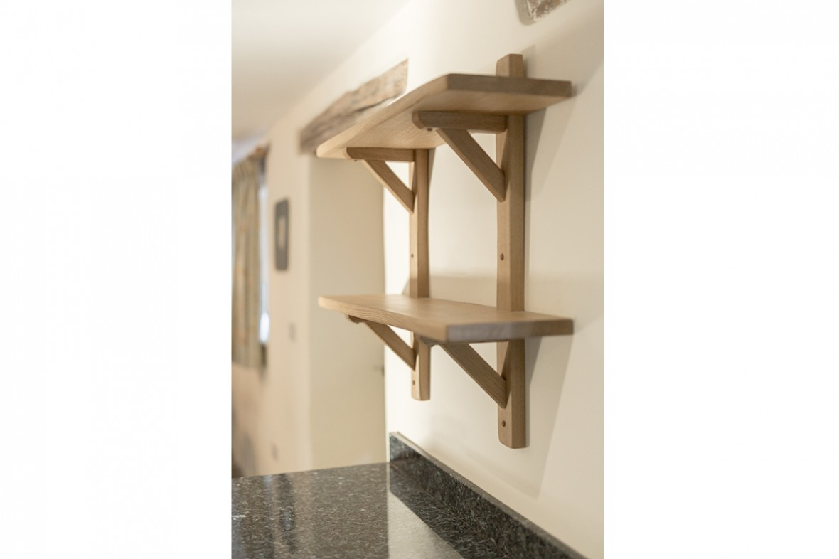 Solid-oak-kitchen-shelves-made-by-Samuel-F-Walsh-Furniture-Cornwall